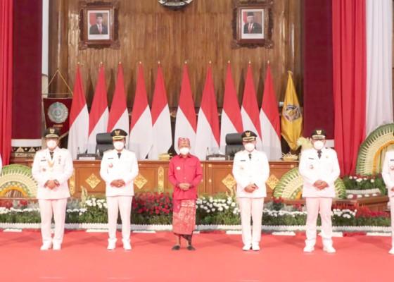 Nusabali.com - enam-pasangan-kepala-daerah-resmi-dilantik