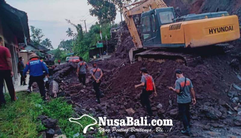 www.nusabali.com-bpbd-bawa-dua-alat-berat-bersihkan-longsor-di-muncan