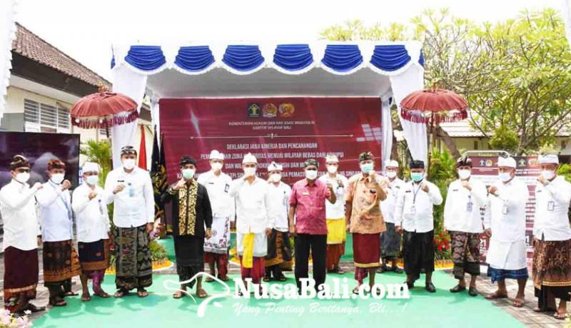 www.nusabali.com-imigrasi-dan-lapas-singaraja-tandatangani-komitmen-zona-integritas