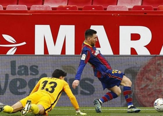 Nusabali.com - messi-1-gol-1-assist-antar-barcelona-ke-jalur-juara