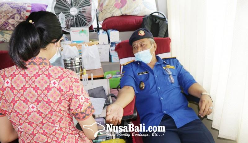 www.nusabali.com-rayakan-hut-dinas-damkar-gelar-donor-darah