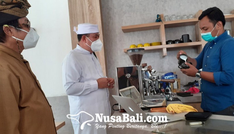 www.nusabali.com-timba-ilmu-ke-sejumlah-barista-di-bali-sasar-pelanggan-umat-hindu-dan-umum