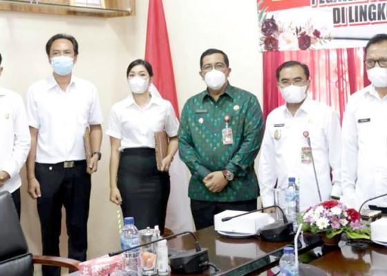 Nusabali.com - pppk-lulusan-2019-terima-sk-pengangkatan
