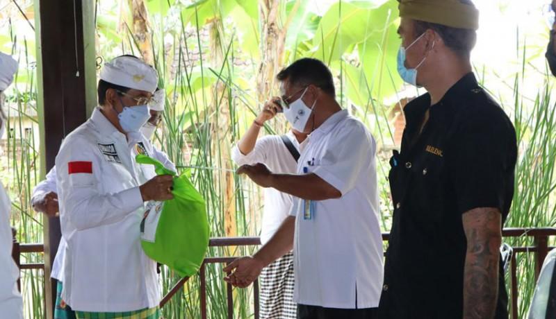 www.nusabali.com-senator-gde-agung-dorong-percepatan-vaksinasi-untuk-pekerja-pariwisata