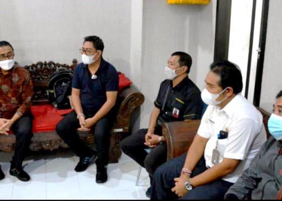 Nusabali.com - jaya-negara-dan-agus-arya-wibawa-gelar-coffee-morning-dengan-wartawan