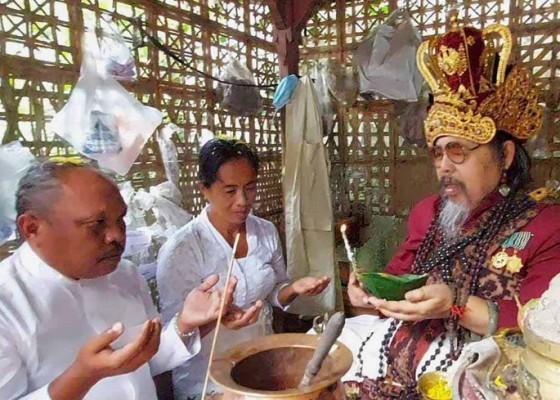 Nusabali.com - sepasang-walaka-jalani-upanayana-samskara