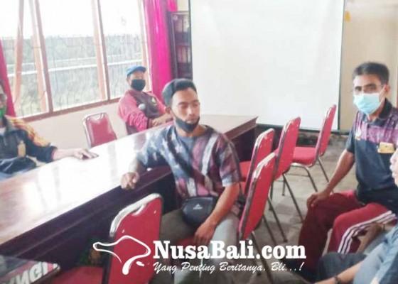 Nusabali.com - pedagang-pasar-senggol-datangi-kantor-disperindag