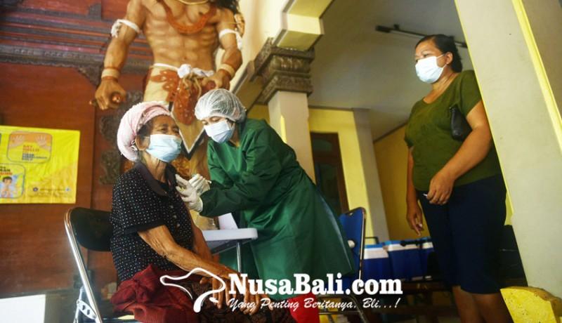 www.nusabali.com-pedagang-pasar-mulai-disasar-vaksinasi