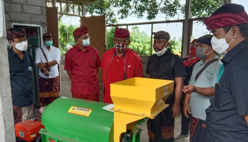 www.nusabali.com-anggota-komisi-iv-dpr-ri-made-urip-gelontor-bantuan-sektor-pertanian