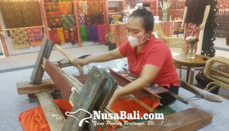www.nusabali.com-proses-lama-diserbu-tenunan-imitasi