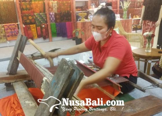 Nusabali.com - proses-lama-diserbu-tenunan-imitasi