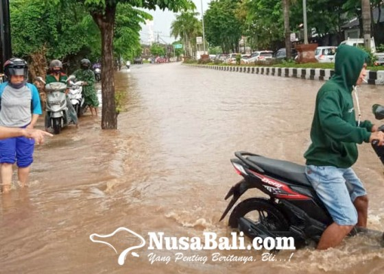 Nusabali.com - banjir-di-jimbaran-arus-lalulintas-kuta-nusa-dua-lumpuh-3-jam