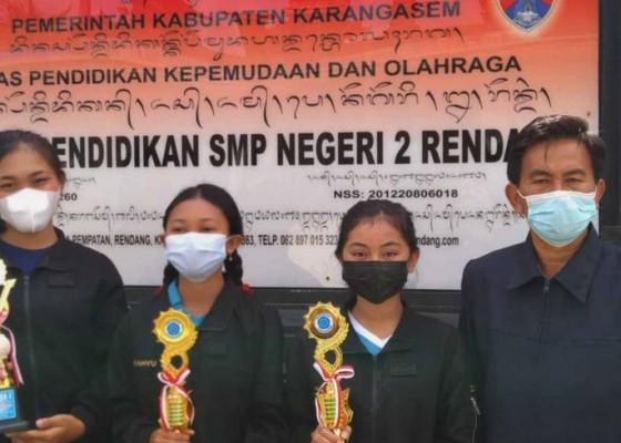 Nusabali.com - smpn-2-rendang-raih-7-juara-saat-pandemi