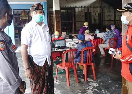 Nusabali.com - wabup-kasta-tinjau-vaksinasi-covid-19-di-akah