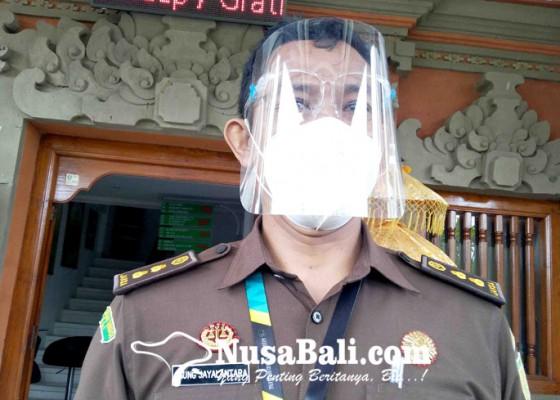 Nusabali.com - kejari-buleleng-perpanjang-masa-tahanan-tersangka-pen