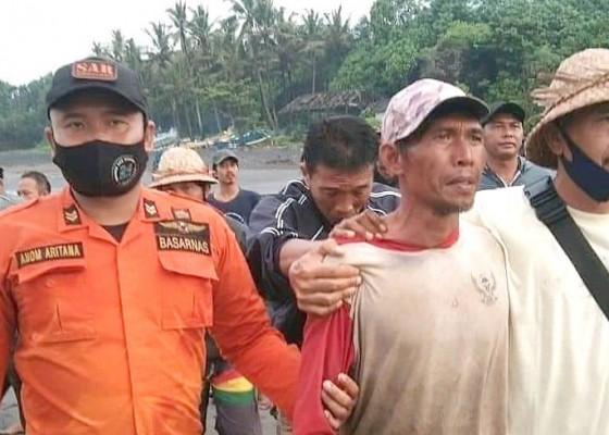 Nusabali.com - korban-wayan-suantra-terjebak-di-laut-karena-perahunya-mati-mesin