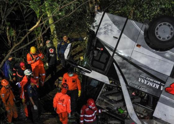 Nusabali.com - bus-accident-in-west-javas-sumedang-results-in-22-deaths