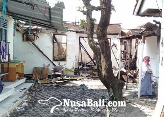 Nusabali.com - 22-kamar-kos-di-sesetan-hangus-terbakar