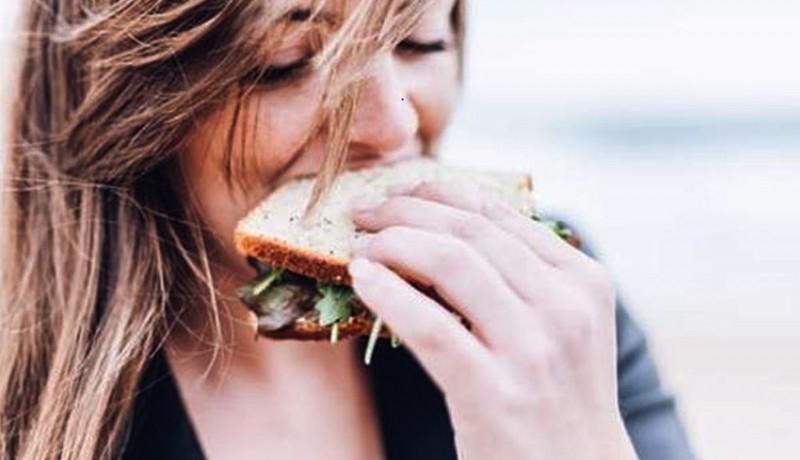 www.nusabali.com-apakah-kamu-seorang-food-emphaty-berikut-6-cara-mengatasi-kecanduan-makanan