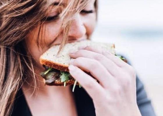 Nusabali.com - apakah-kamu-seorang-food-emphaty-berikut-6-cara-mengatasi-kecanduan-makanan
