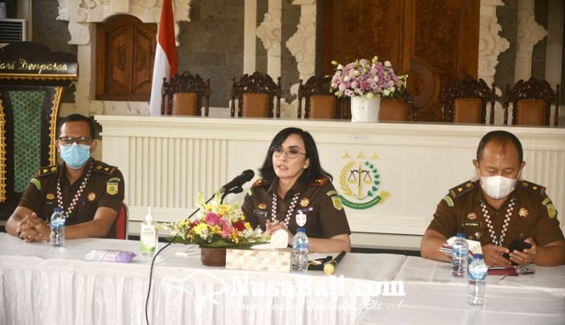 www.nusabali.com-yuliana-janjikan-pengungkapan-kasus-korupsi