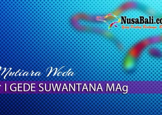 Nusabali.com - mutiara-weda-mencari-les-pada-pohon-pisang