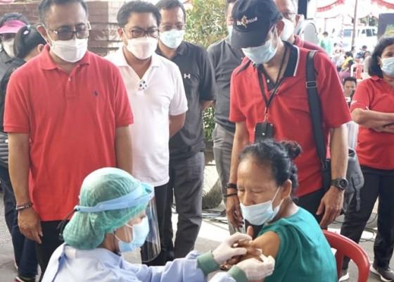 Nusabali.com - walikota-jaya-negara-dan-wawali-arya-wibawa-pantau-vaksinasi-massal