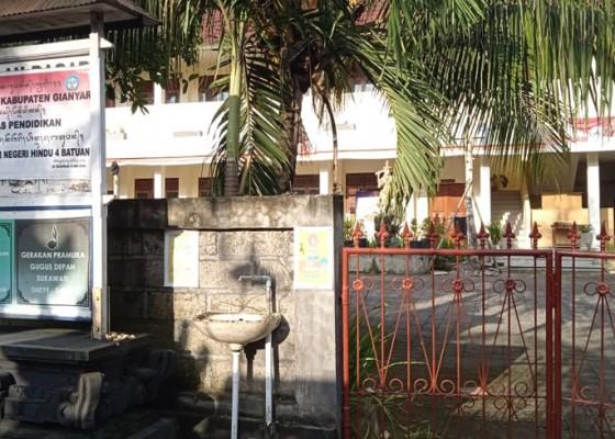 Nusabali.com - hari-ini-gianyar-buka-pembelajaran-tatap-muka-50-persen