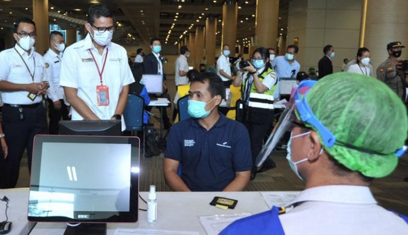 www.nusabali.com-5000-petugas-bandara-ngurah-rai-mulai-vaksinasi-covid-19