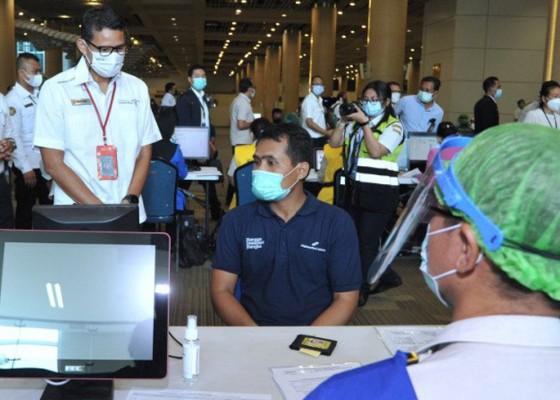 Nusabali.com - 5000-petugas-bandara-ngurah-rai-mulai-vaksinasi-covid-19