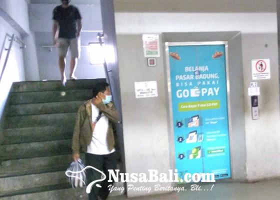 Nusabali.com - berhemat-lift-dan-eskalator-pasar-badung-dimatikan