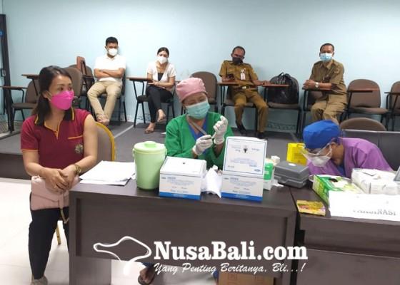 Nusabali.com - diskes-jaring-guru-belum-divaksin