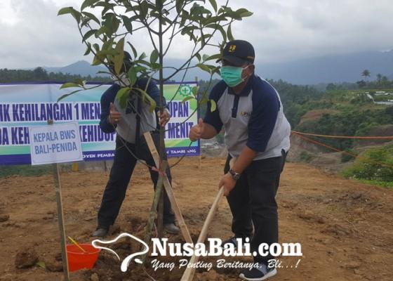 Nusabali.com - jaga-ketersediaan-air-bws-bali-penida-hijaukan-kawasan-bendungan-tamblang