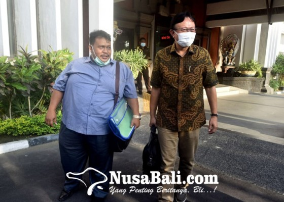 Nusabali.com - kejati-bali-periksa-mantan-sekda-buleleng-selama-7-jam