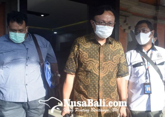 Nusabali.com - eks-sekda-buleleng-diperiksa-kejati-bali