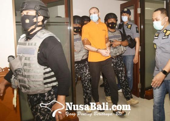 Nusabali.com - diburu-karena-kepemilikan-146-kg-hasis