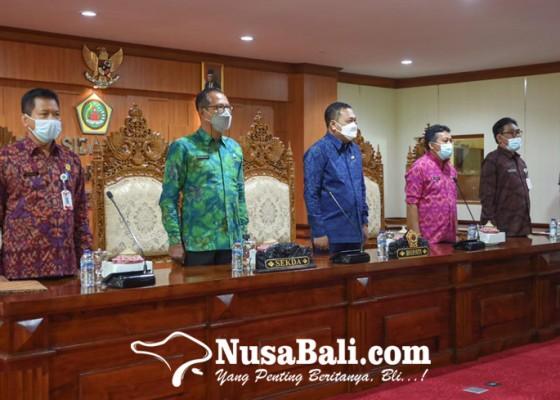 Nusabali.com - 20-kepala-smpn-di-gianyar-diganti