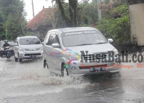 Nusabali.com - air-meluap-di-banjar-singarata