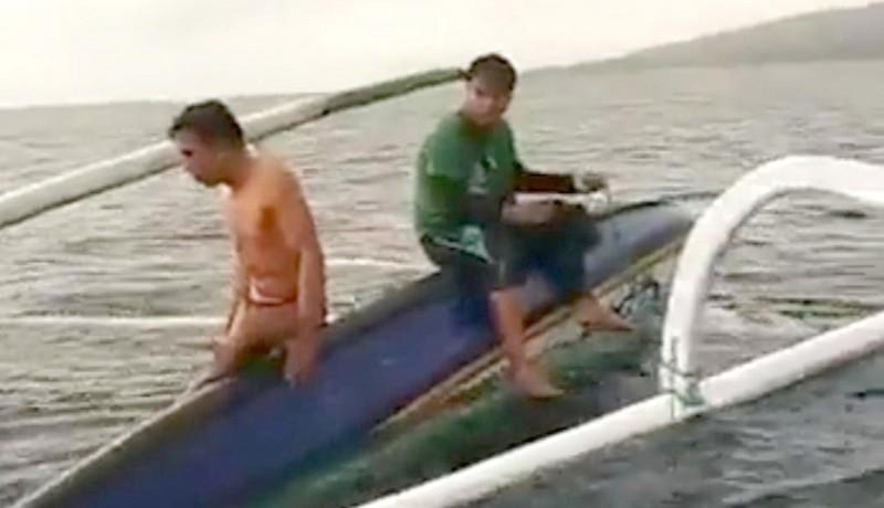 www.nusabali.com-gelap-2-jukung-nelayan-tabrakan