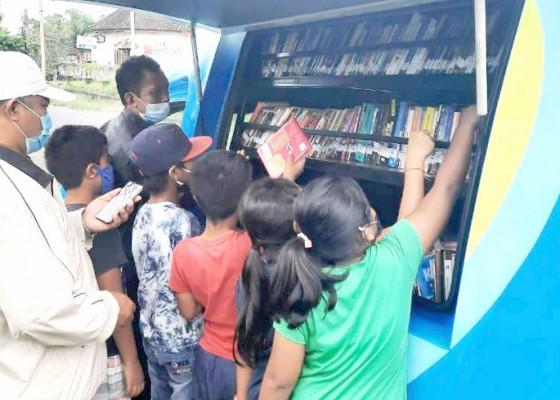 Nusabali.com - perpustakaan-keliling-alternatif-saat-pembelajaran-daring