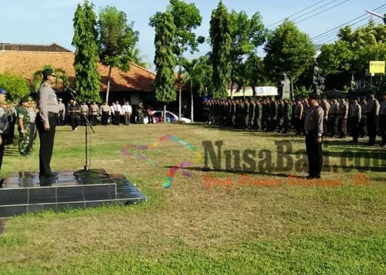 Nusabali.com - 300-personel-tni-polri-kawal-lima-warga-buleleng-ikut-aksi-212