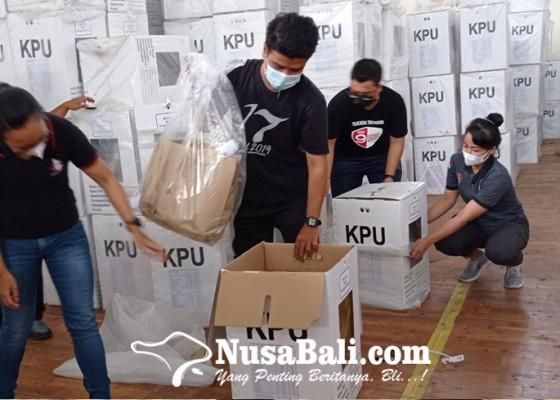 Nusabali.com - kpu-tabanan-mulai-kosongkan-kotak-suara-pilkada-2020