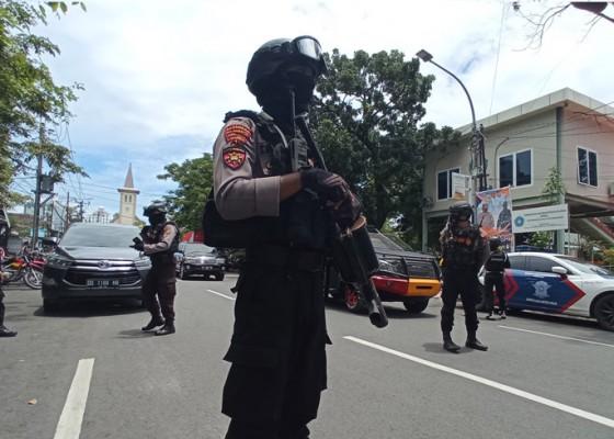 Nusabali.com - pelaku-bom-makassar-gagal-masuk-gereja-karena-dihalangi-petugas