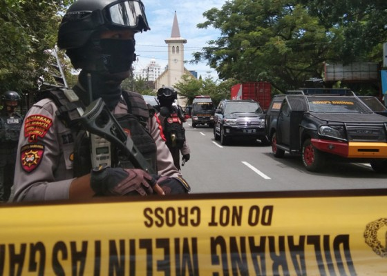 Nusabali.com - police-suspects-two-suicide-bombers-in-makassar-explosion