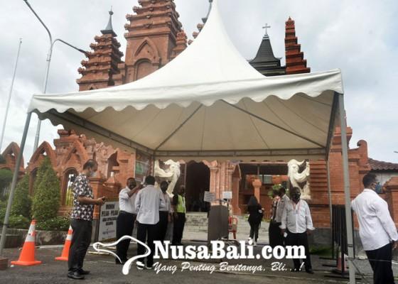Nusabali.com - semua-gereja-di-bali-dijaga-polisi
