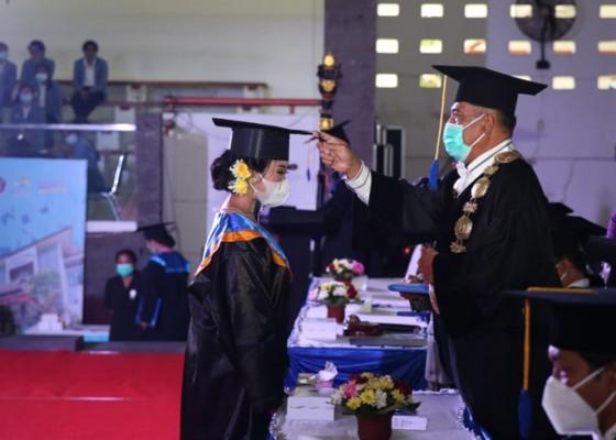 Nusabali.com - undiksha-wisuda-618-mahasiswa