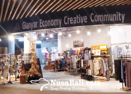 Nusabali.com - pelaku-ekraf-gianyar-manfaatkan-pameran-di-mall-untuk-pasar-domestik