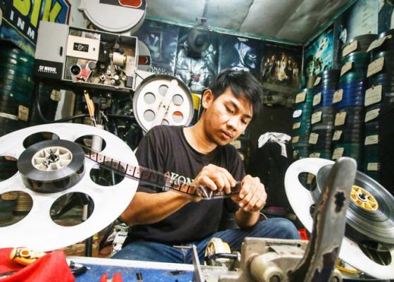 Nusabali.com - jasa-penyewaan-film-seluloid-menurun