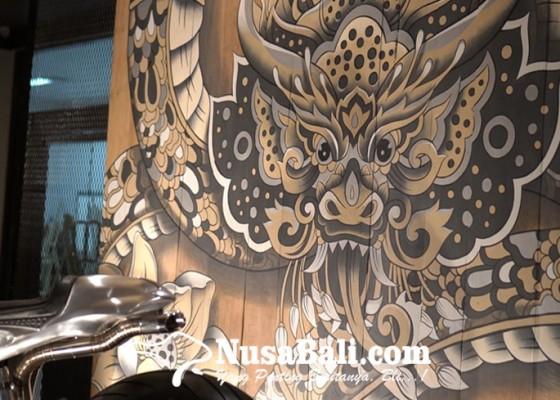 Nusabali.com - motor-custom-nagabanda-direspons-mural-kayu-jati-dan-film-pendek