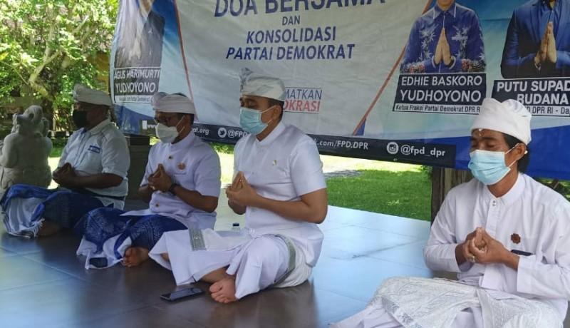 www.nusabali.com-loyalis-ahy-di-bali-pun-langsung-doa-bersama